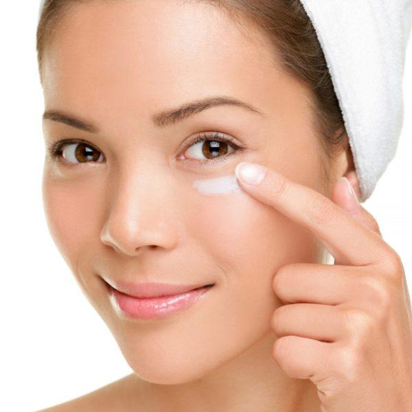 Уход за кожей вокруг глаз и губ